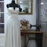 Vestido de novia de gasa con detalle de pedrería - outlet
